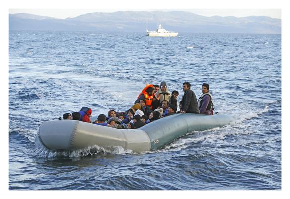 Ankunft eines Fluechtlingsbootes auf Lesbos
